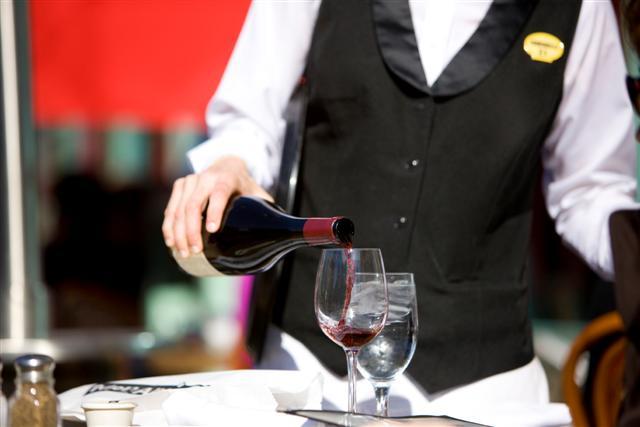 10 ERRORES a la hora de beber vino (2)